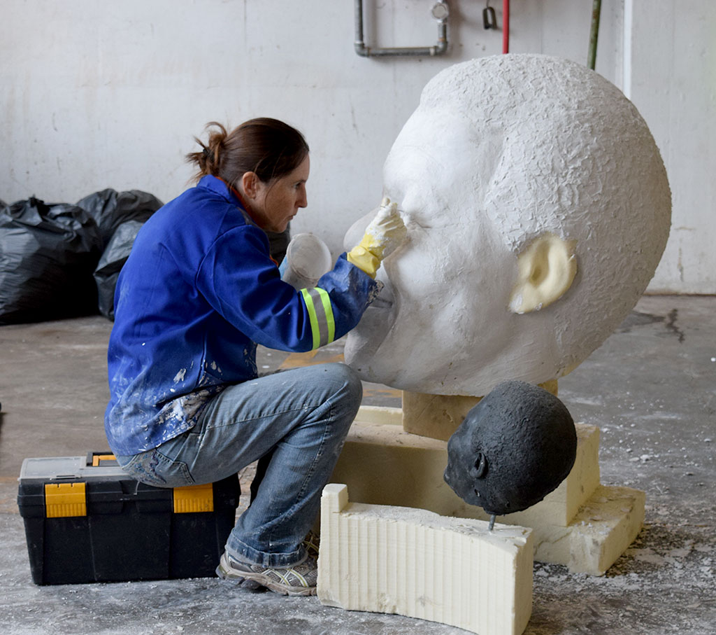 6m mandela-portrait-plaster