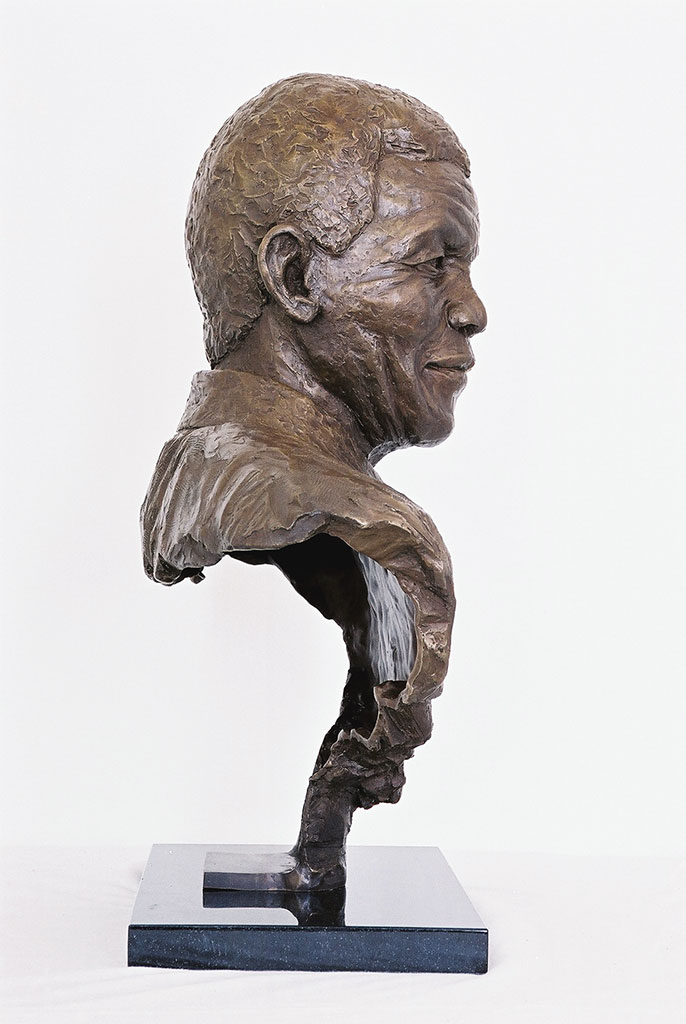 mandela-bronze-profile